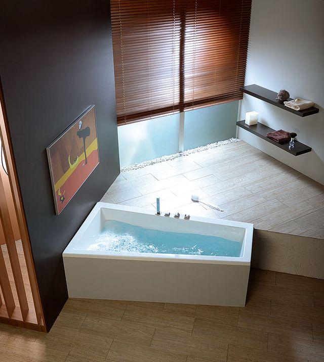 raumsparwanne 170 x 90 hoandra eck badewanne raumsparbadewannen. Black Bedroom Furniture Sets. Home Design Ideas
