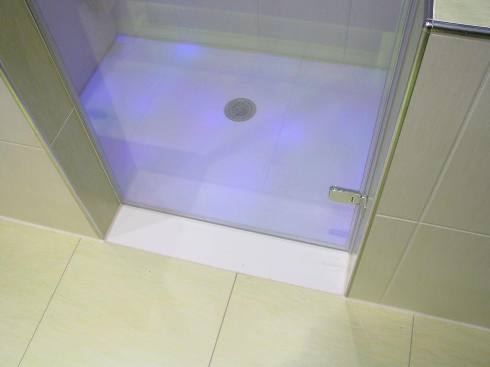 begehbare dusche mineralguss duschwanne auf ma gefertigt nach ihren vorgaben begehbare dusche. Black Bedroom Furniture Sets. Home Design Ideas